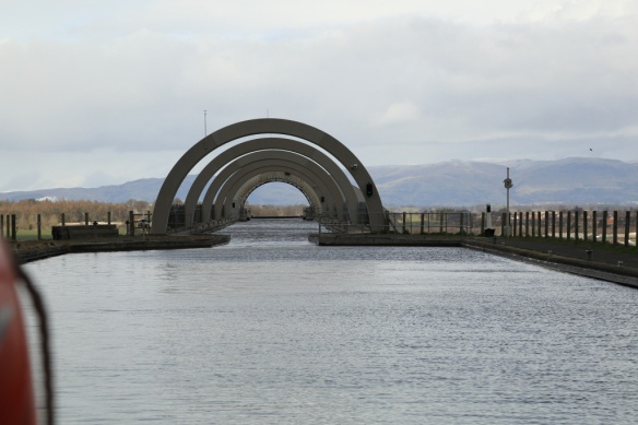 Approaching the Aqueduct and Falkirk Wheel on return