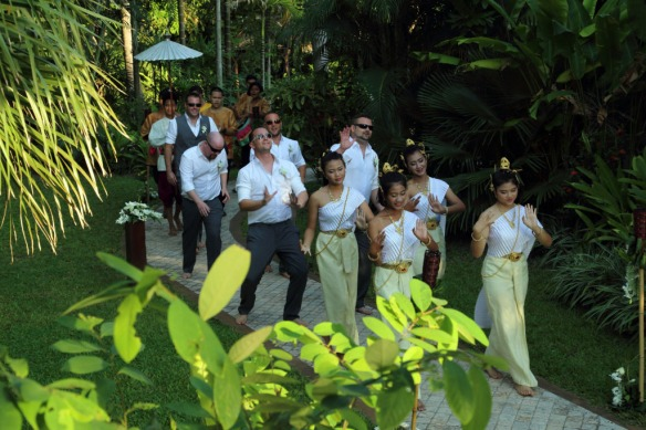 Iain and groomsmen arriving with Thai dancers