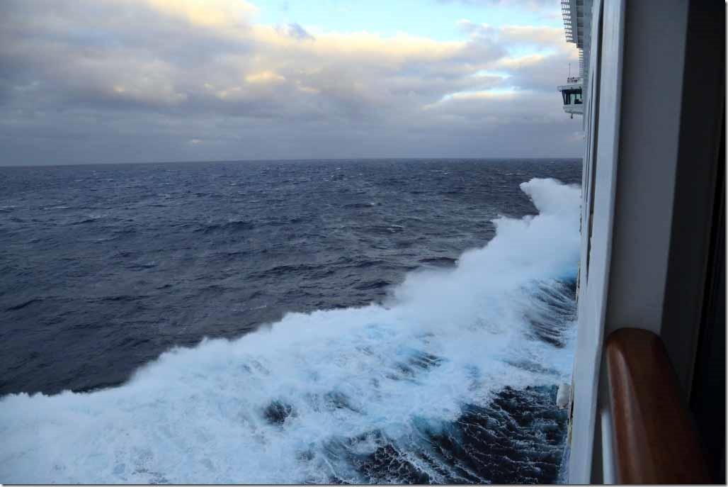 Ship pounding in seaway 1