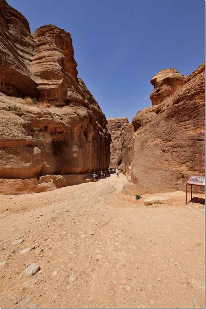 1 Petra Siq entrance 2