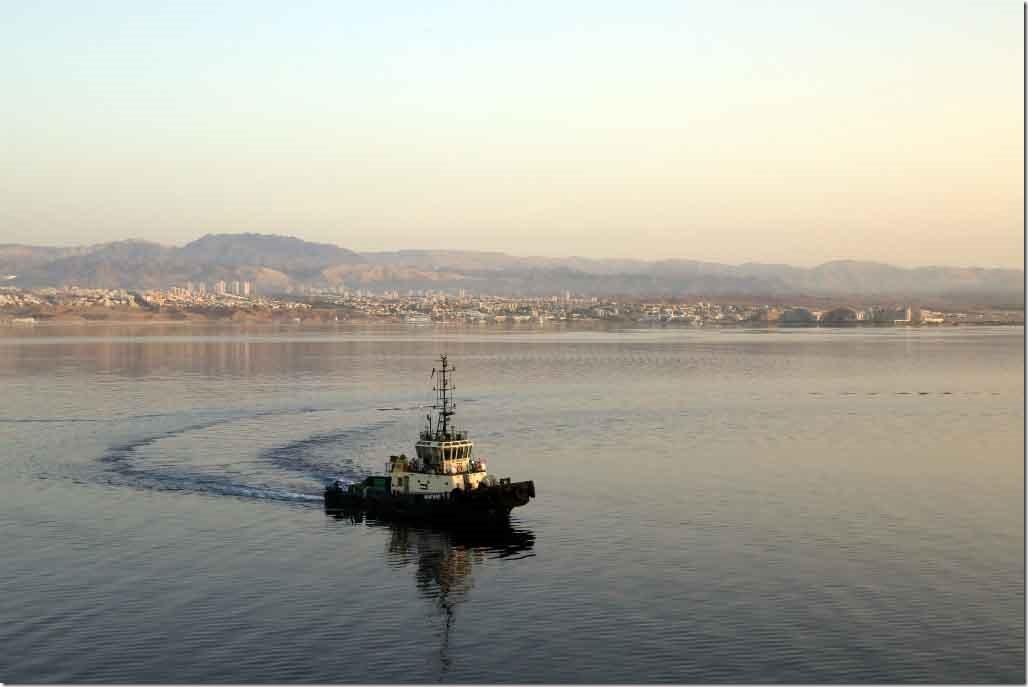 Approaching Aqaba with Elad Israel behind the tug