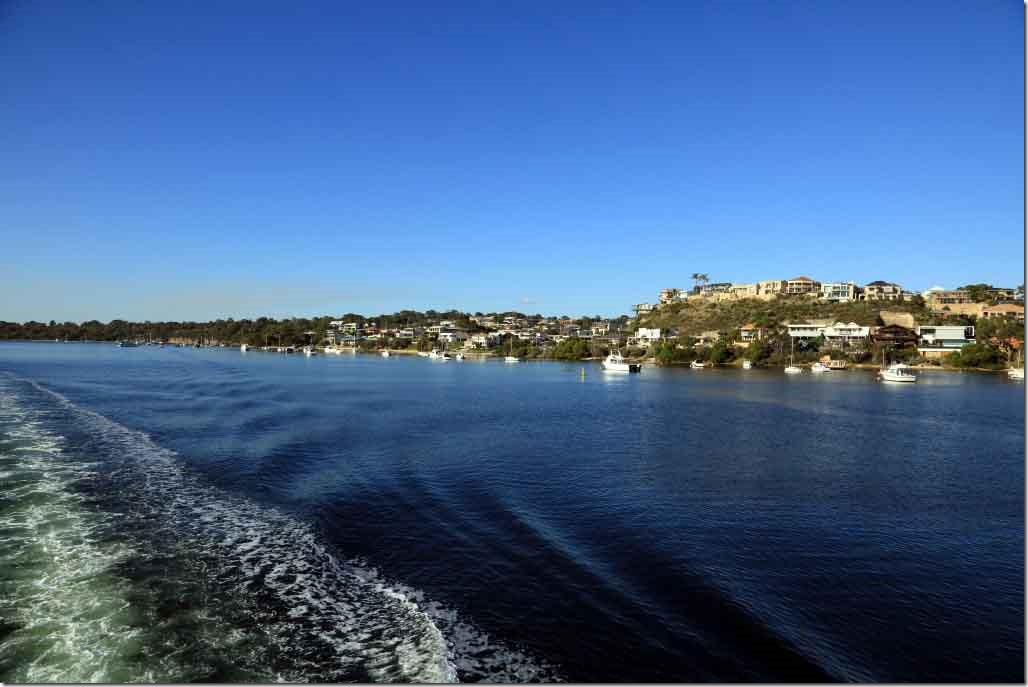 Cruise, exclusive homes on South bank of Swann River