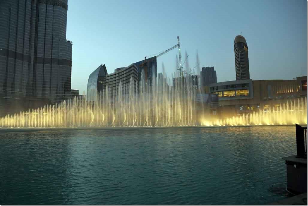 Dubai Mall water fountain show 3