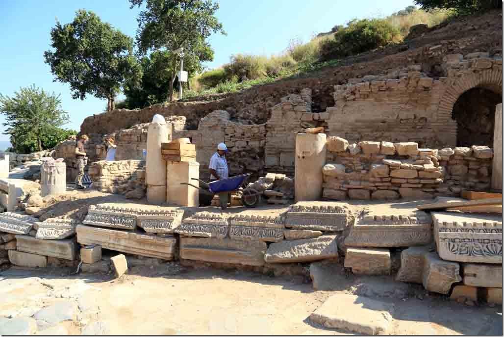 Ephesus current archeologic dig taking place