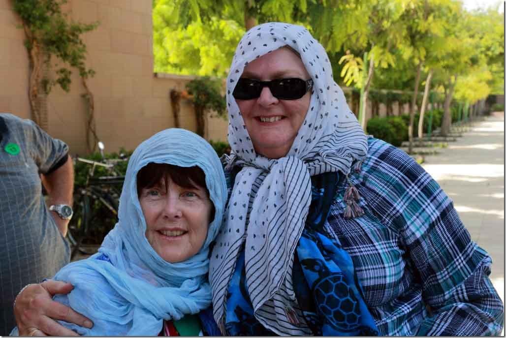 Grand Mosque Judi & Christine dressed to enter mosque