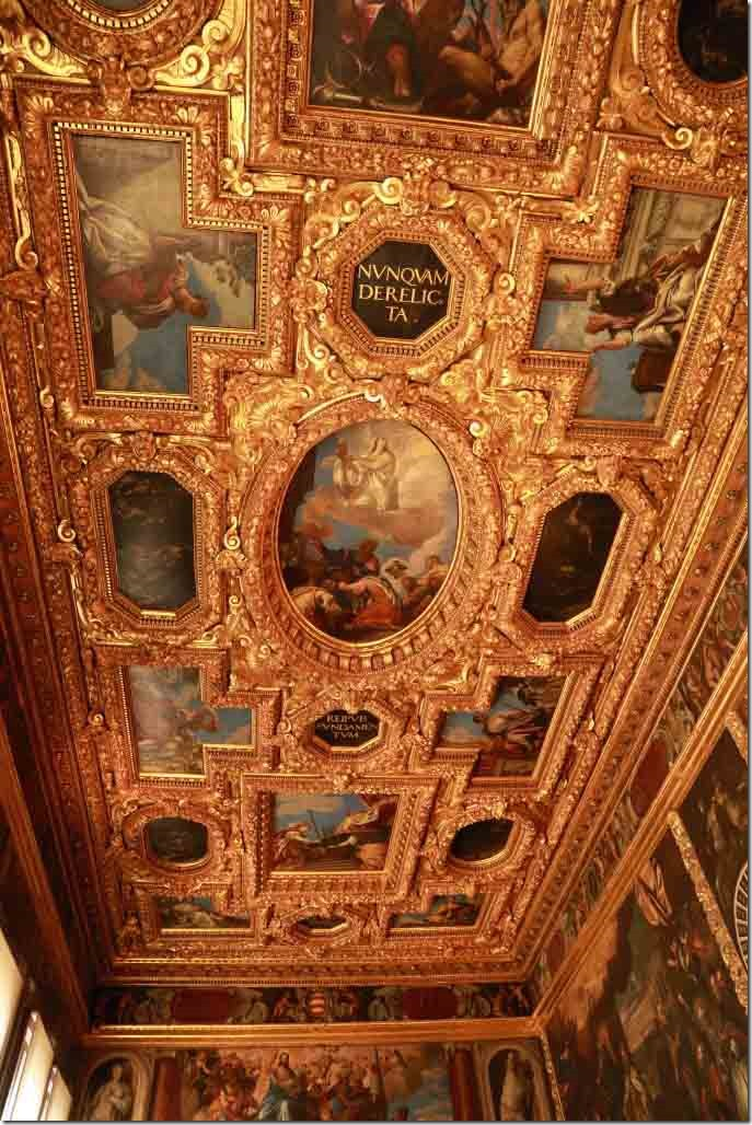 Doge's Palace apartment ceiling 3