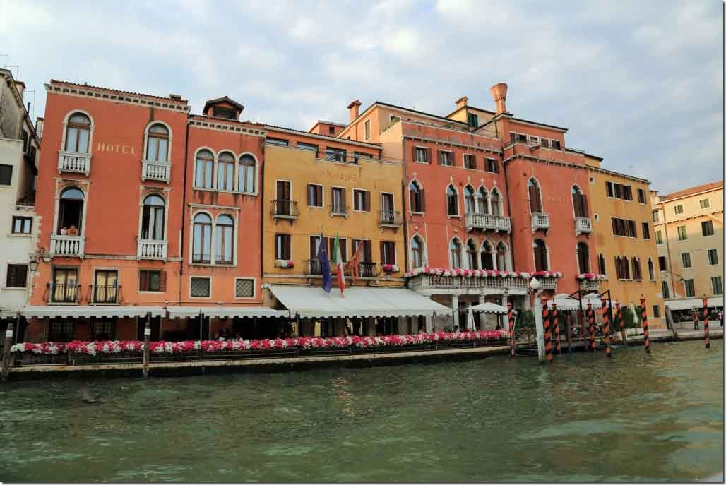 Grand Canal cruise downstream 4