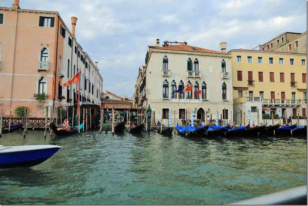 Grand Canal cruise gondola dock