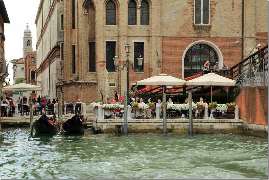Grand Canal cruise small cafe