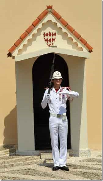 Monaco Royal Palace guard going through his routine