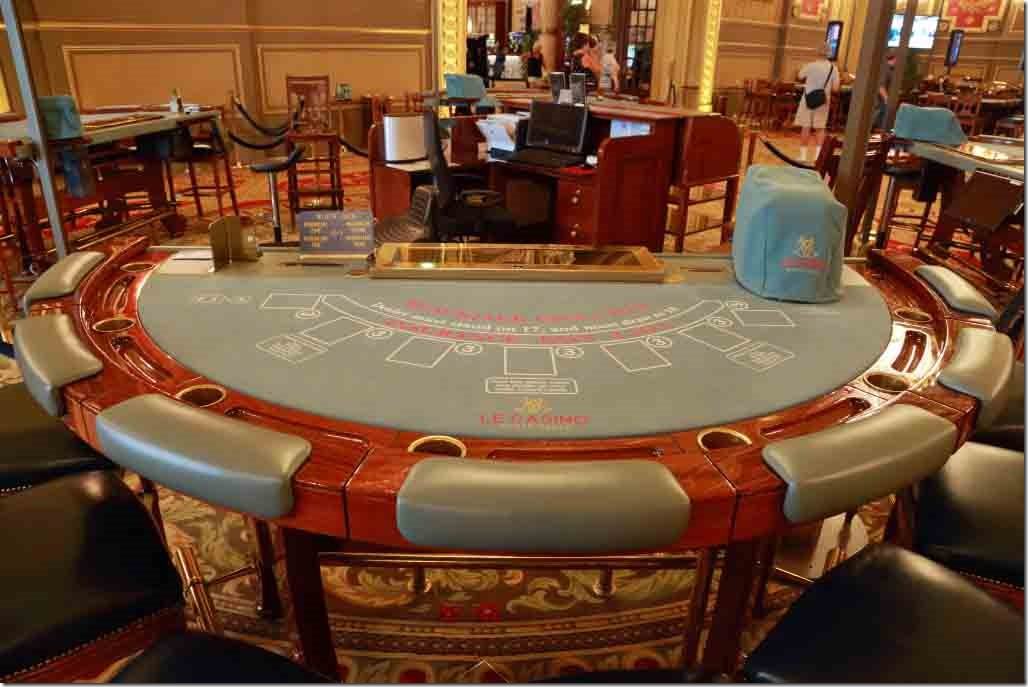 Monte Carlo Casino 21 tables in 3rd gaming room