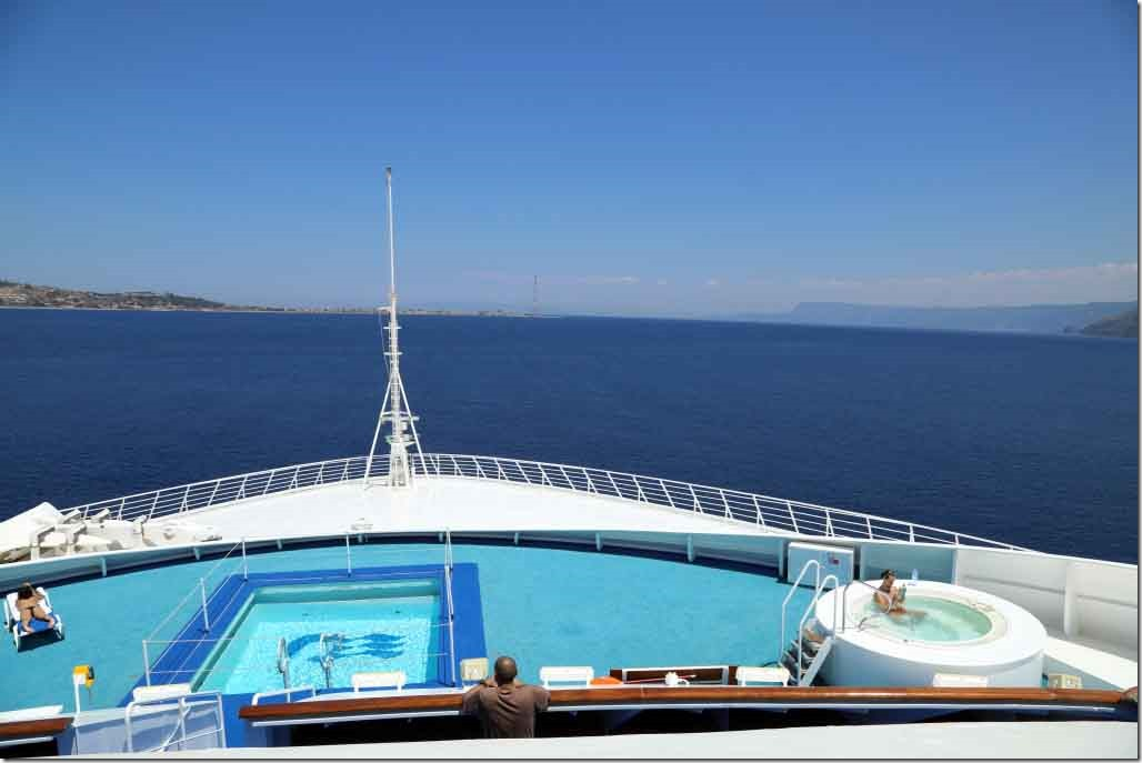 Sea Princess listing while altering towards Messina