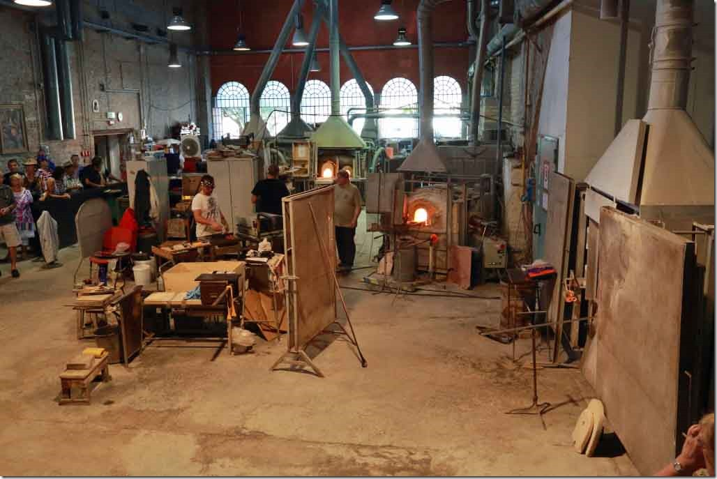 Tour Murano Glass Factory manufacturing room
