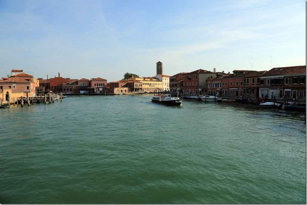 Tour Murano Island approaching the galss factory