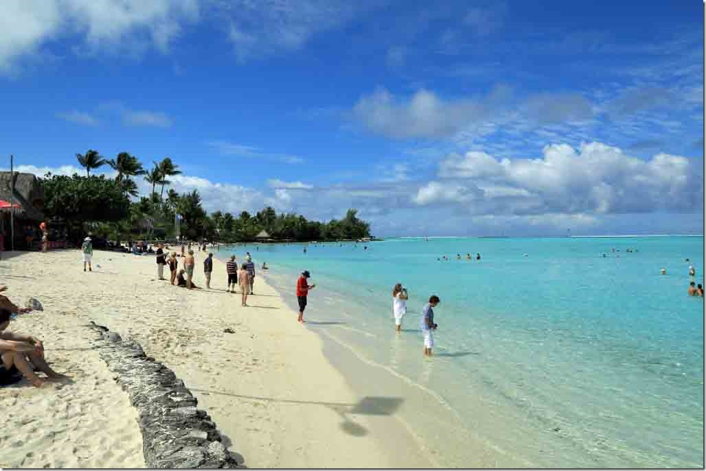 Bora Bora Tour public beach with fine sand and crystal clear water