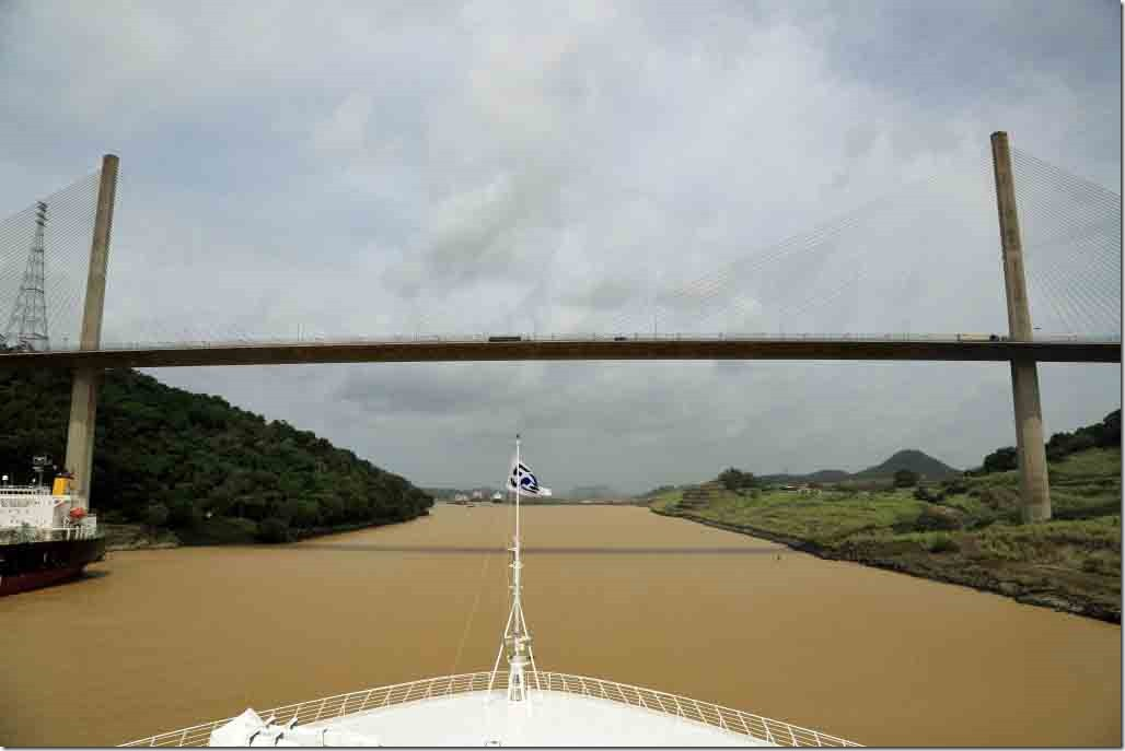 Culebra Cut approaching Centennial Bridge