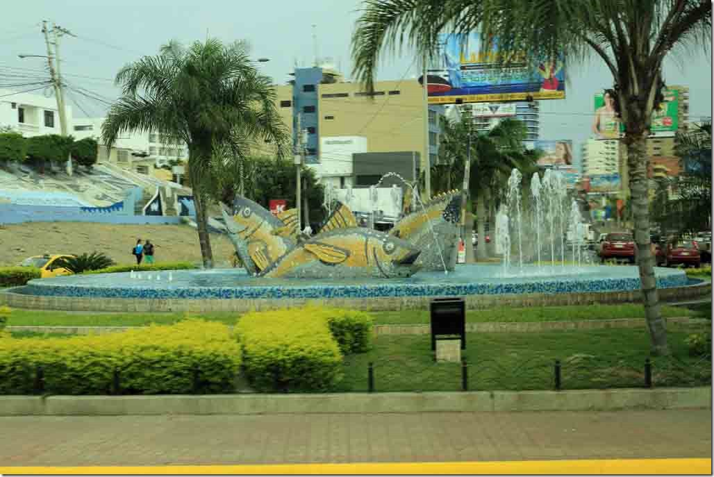 Roundabout with fish and splash pool
