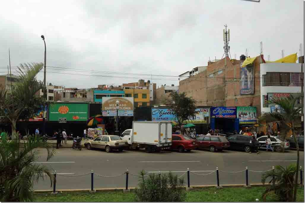 South Lima homes and business by the market