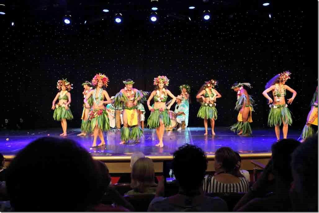 Tahiti Ora dancers