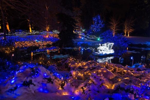 vandusen-santas-sleigh-on-the-frozen-lake-2