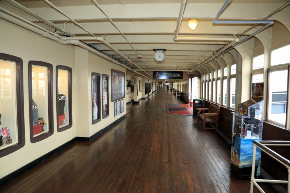 covered-promenade-deck
