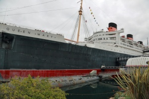 queen-mary-bow
