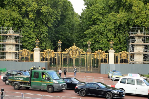 London Buckingham Palace Royal Day Out Andy Judi S