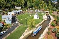 Babbacombe model village 17