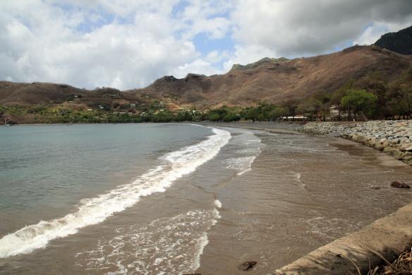 25 Beach past Temehea Tohua