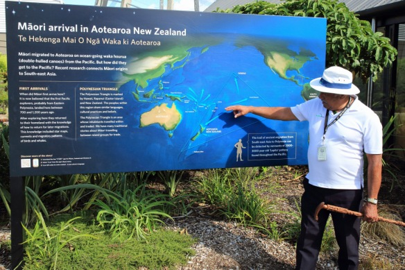 Guide Jim explaining origins of Maoris