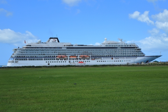 Viking Sun alongside Nukualofa 2