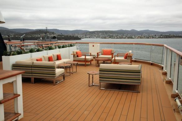 07 Dk 8 seating port aft