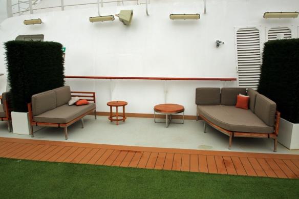 Dk 9 seating port side