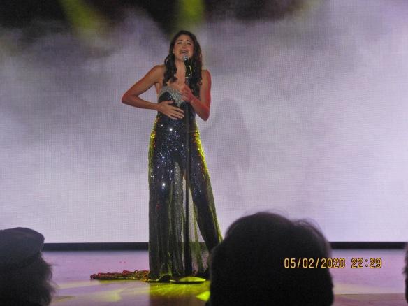Elle Adda singing