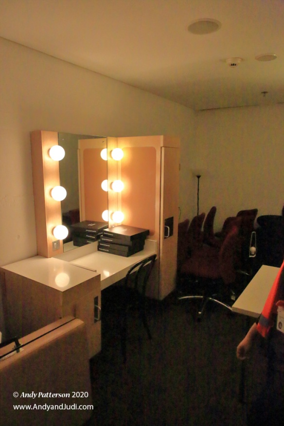OH Dressing Room make-up area
