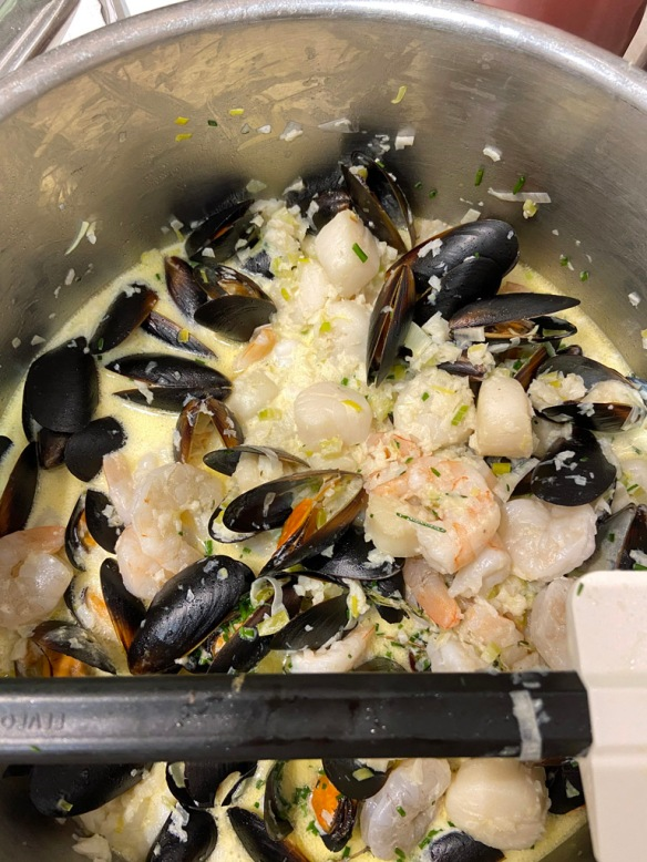Cooking class seafood chowder