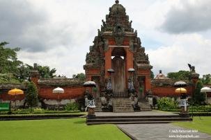 Taman Ayun main entrance to inner temple