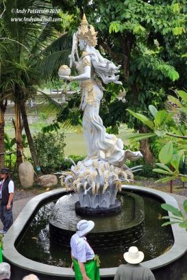 Taman Ayun statue 2