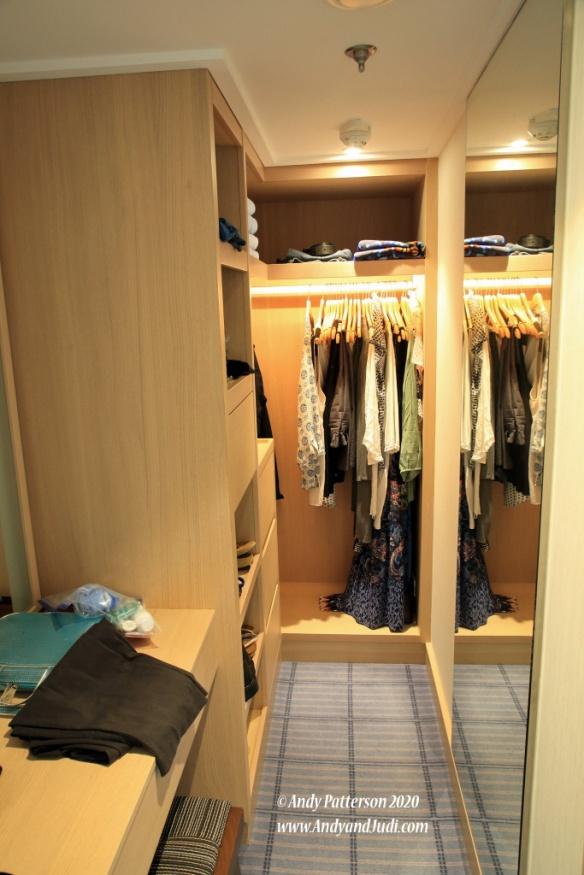 Suite closet