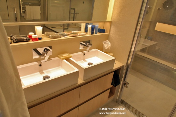 Suite double sinks